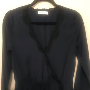 ABERCROMBIE & FITCH NAVY BLOUSE WITH LACE SIZE S